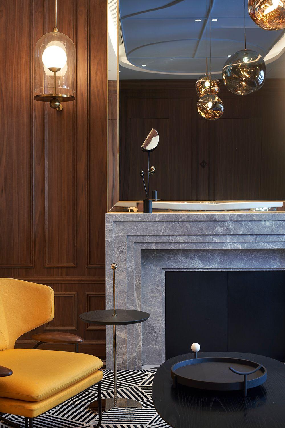 Lady Bund restaurant and lounge
